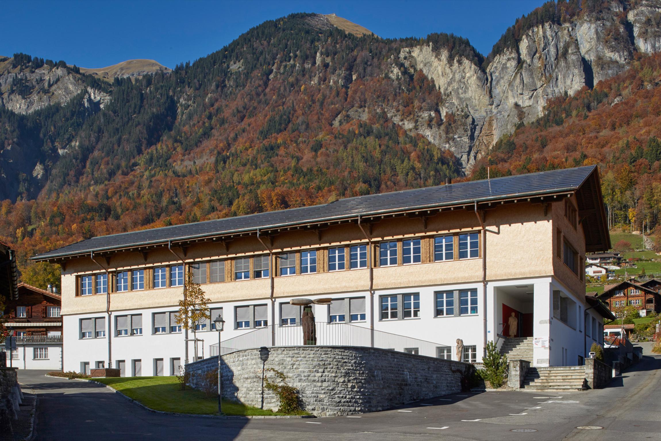 Schule für Holzbildhauerei Brienz 1